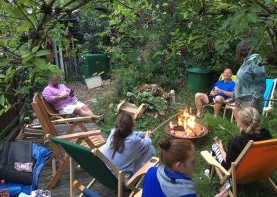 Lagerfeuer im Garten